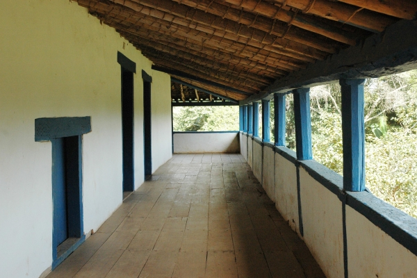 3-vista-da-varanda-da-fazenda-e-seu-piso-em-tabuado4D316198-4AA3-B338-3B64-B125D3EFFE0E.jpg