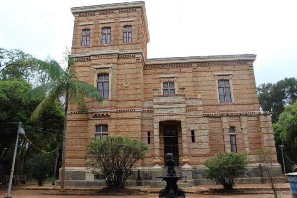 fachada-da-villa-do-museu-mariano-procopio414059AC-0148-00E8-88D0-492227A646FE.jpg