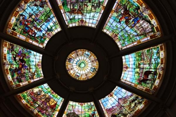 na-rotunda-das-termas-vitral-colorido-casa-conrado-spC7EF6C6D-3C5A-0ED8-0EFE-B9889132F610.jpg