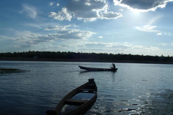 pescador-remando-no-rio-sao-francisco-no-municipio-de-piraporamg-acervo-nuhicreiepha51CBC990-3138-62F1-A893-0C7371E0C2AA.jpg