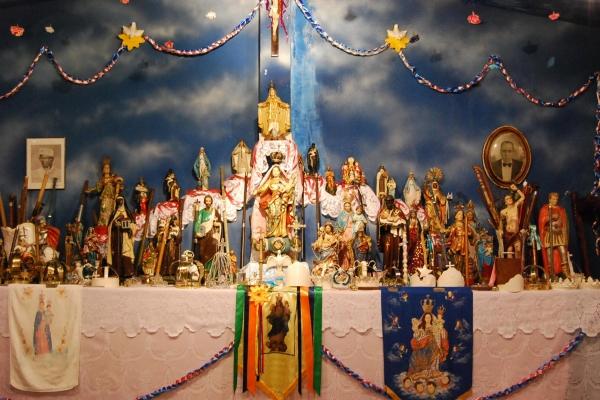 altar-da-capela-de-nossa-senhora-do-rosario-na-comunidade-dos-arturos-credito-carolina-dellamore-acervo-iephafundacE89F462B-58E9-F797-CF6D-9B4225BA62FB.jpg