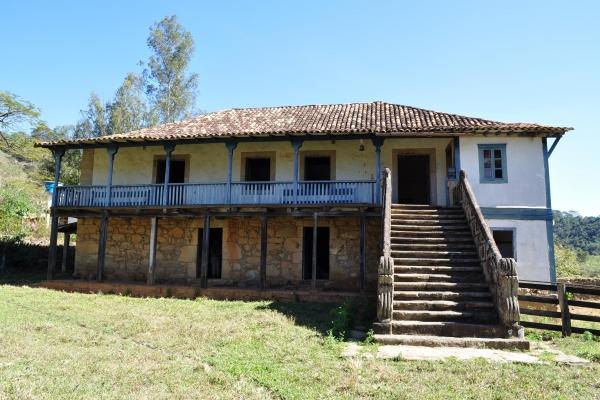 1a-fachada-principal-fazenda-dos-martins96B4D1D2-C427-9A90-09A1-A66560493805.jpg