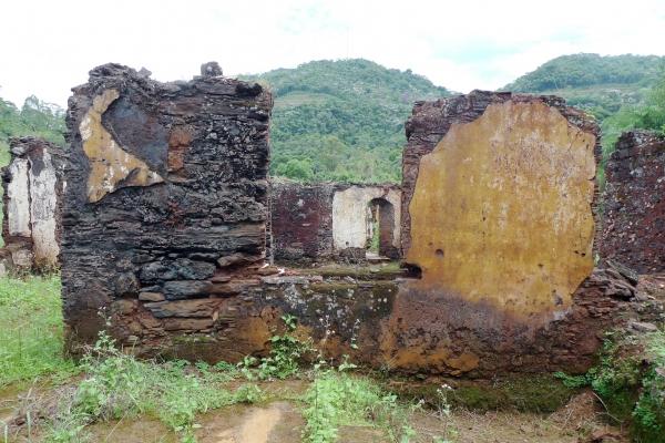 aspectos-das-ruinas-remanescentes-da-vila-de-gongo-socojpg-14E70C818-4404-3021-4562-6CDC62C4B2F8.jpg
