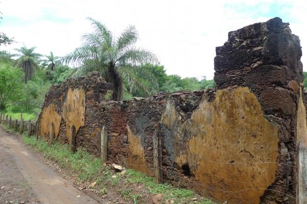 aspectos-das-ruinas-remanescentes-da-vila-de-gongo-socojpg-2E041894D-4389-1687-C1B9-C4B489A398BC.jpg