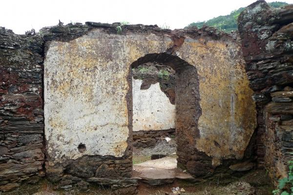 aspectos-das-ruinas-remanescentes-da-vila-de-gongo-socojpg-5193D03D3-7070-6F4D-8A44-945FE3B45C7A.jpg