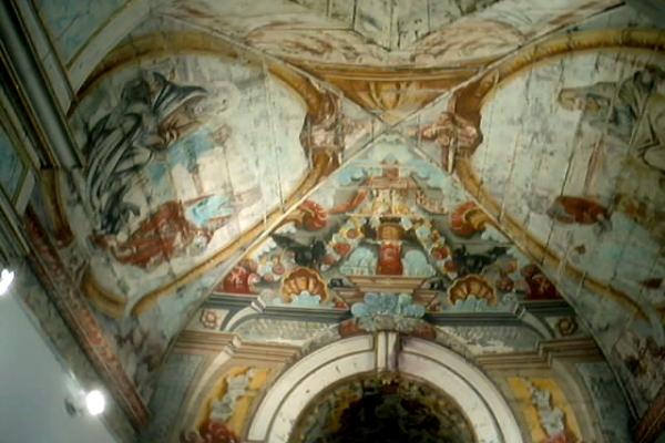 detalhe-arco-cruzeiro-e-forro-capela-mor2896DCE2-2123-CD17-EF9C-640371A6F1A4.jpg