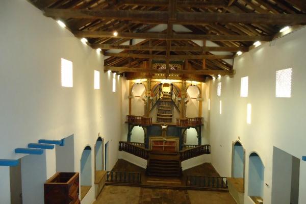 3-vista-da-nave-e-altar-morCD66B9E0-13B0-61A0-1BAE-FD994534D529.jpg