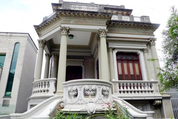 fachada-principal20A86D38-FA8A-BEC7-E9C6-11D2B32C2F59.jpg
