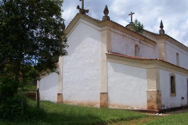 fachada-posterior284A4980-4439-BD4B-593C-11B79FFFA851.jpg