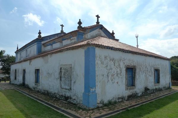 fachada-lateral-e-posterior07C2DB87-6221-596C-B63F-539876989397.jpg