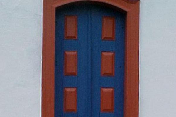 porta-da-fachada-principalEDC43414-CB27-3A8F-28C6-175B1C8EB615.jpg
