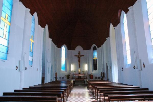 2-vista-interna-da-nave-e-altar-morF04A5D14-AE3B-A412-60AF-952B06083134.jpg