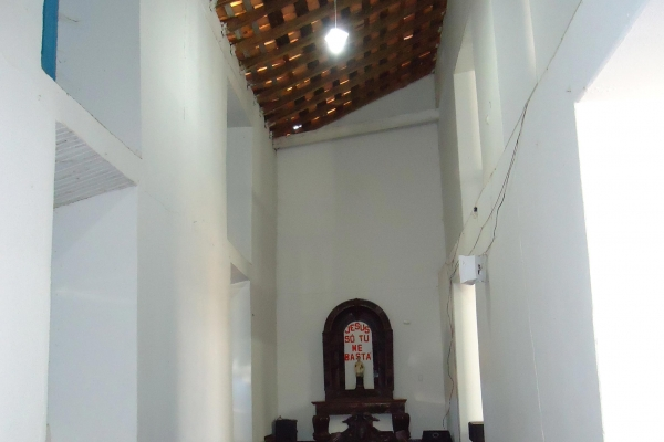 corredores-laterais-da-igreja9BEE3D15-F1CD-56A3-AF02-45340F15BE7F.jpg