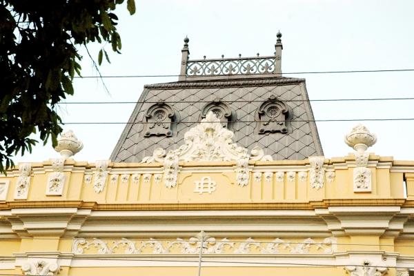 detalhe-da-fachada5F22D2B0-1C31-EDF8-268E-CAE6796223F8.jpg