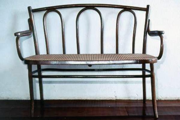 16-sofa-de-tres-lugares-em-palhinhaF186BFE1-9096-1D35-FD44-8FCDB10CC322.jpg