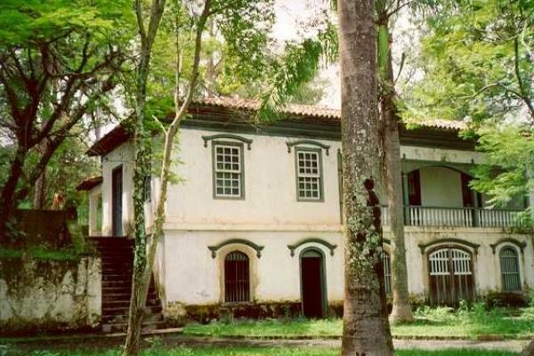 detalhe-da-casa-de-joao-pinheiro2C2934FC-5648-6E45-87B3-1FE6C2BFAE9F.jpg