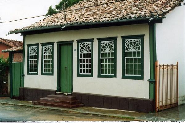 fachada-principalE230DF84-0DDD-916A-CB14-DF6DC809FF7C.jpg