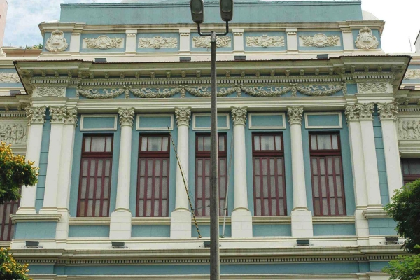 3-detalhe-da-fachada-principal95049247-CCF5-8651-8303-44D1C3058325.jpg
