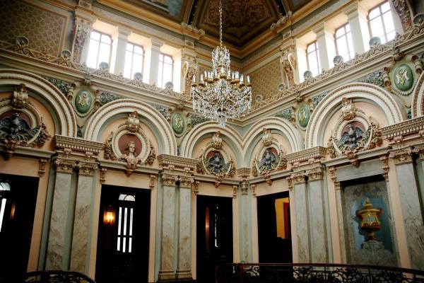 3-hall-da-escadaria-do-2-piso16C52521-BB2E-4D59-7614-066577EFF440.jpg
