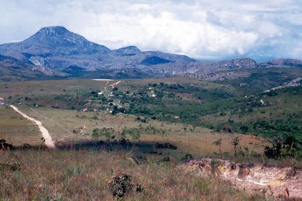 4-vista-geral-do-pico-do-ibuturuna1B415DD8-1EFC-1877-5433-80E087797DA7.jpg