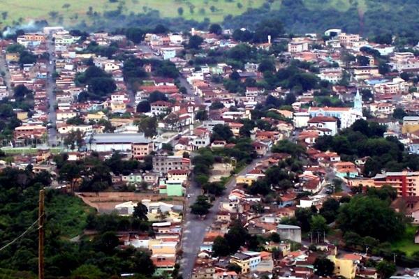 2-vista-panoramica-do-centro-historico-de-pitanguiEBE3A80C-F490-B0AD-8BB2-DBC4D1347978.jpg