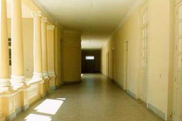 corredor-interno52EE071F-29B7-28D6-16B2-7AE7C83B4E59.jpg