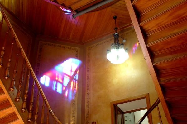 escadaria-interna-de-madeira-2A6638CC1-D3D5-0603-BC7B-0DE0D24C3BC8.jpg