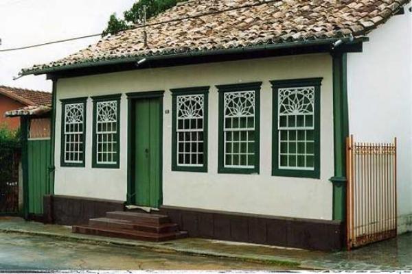 casa-rua-direita-16DF648FD-8418-116E-9788-8BE5A86A02F6.jpg