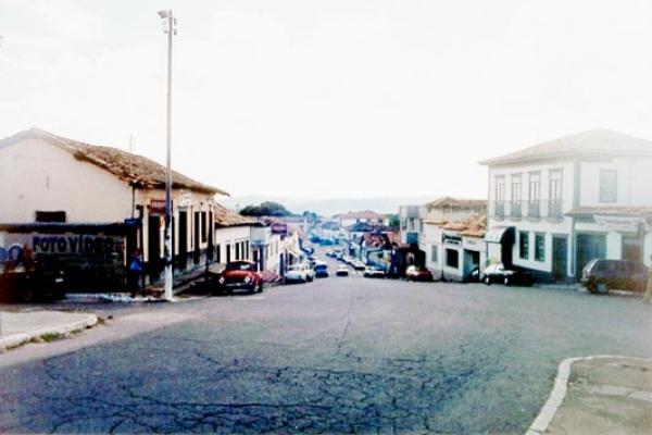 vista-geral-da-rua-direita-27EDA2CA6-5344-D888-B417-D9D1E3362B2F.jpg