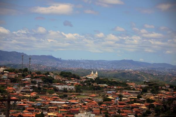 vista-panoramica-de-santa-luzia-com-cidade-de-belo-horizonte-ao-fundoF88D0E93-FC3A-A96B-63D1-D2212013518A.jpg