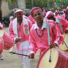 Guarda-de-Congo-da-Comunidade-dos-Arturos-na-Festa-da-Abolio_-Acervo-IEPHAFUNDAC.jpg
